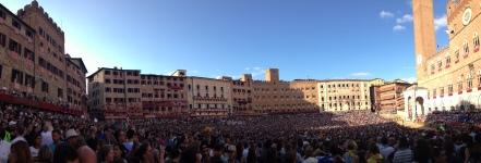 Panoramic of the Piazza del Campo right before the start of the Palio